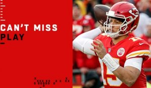 Can't-Miss Play: Mahomes LAUNCHES 67-yard TD bomb to Hill