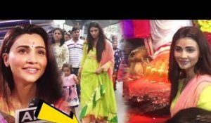 Salman Khan's GIRL Daisy Shah WALKS WITHOUT SANDALS Till Lalbaugcha Raja GANPATI | Before Visarjan