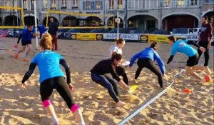 Le club de volley de Pont-a-Mousson s'entraine place Duroc