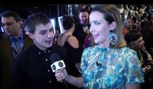 ARIAs 2018: SAM PERRY turns from tradie to red carpet material