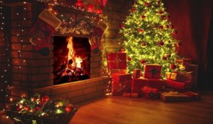 Christmas Fireplace with Beautiful Christmas Music 4K