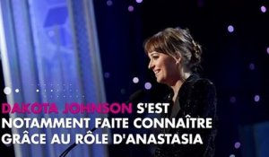 Dakota Johnson en couple avec Chris Martin ? Le point sur leur relation