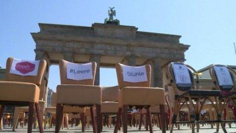 Allemagne: restaurateurs et hôteliers disposent des chaises vides ...