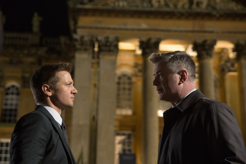 Mission: Impossible - Rogue Nation : Photo Alec Baldwin, Jeremy Renner