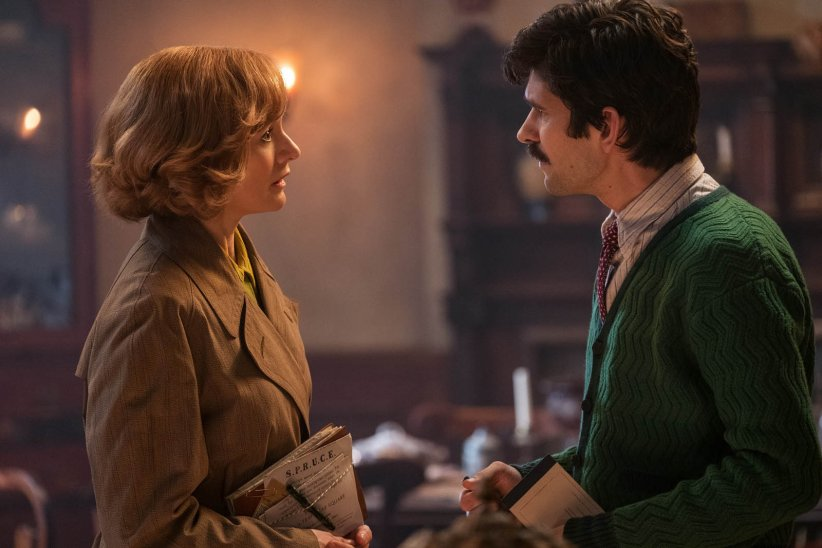 Le Retour de Mary Poppins : Photo Ben Whishaw, Emily Mortimer