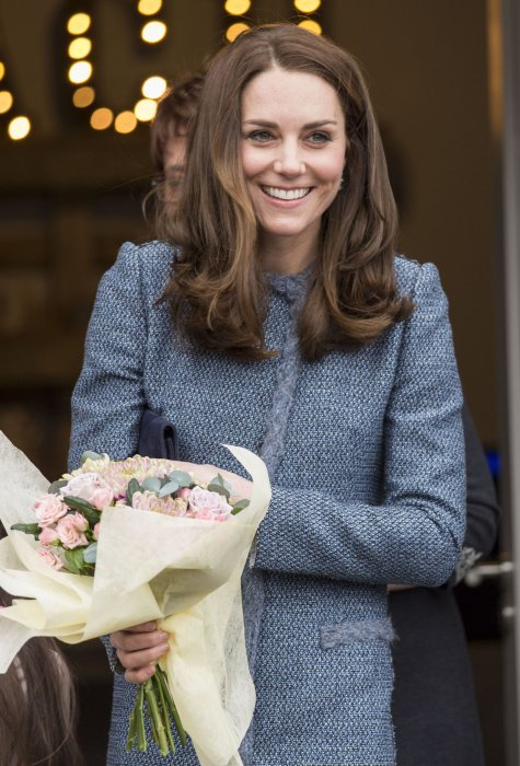 Kate Middleton lors de l'inauguration d'un magasin solidaire de l'EACH à Holt, dans le Norfolk, le 18 mars 2016.