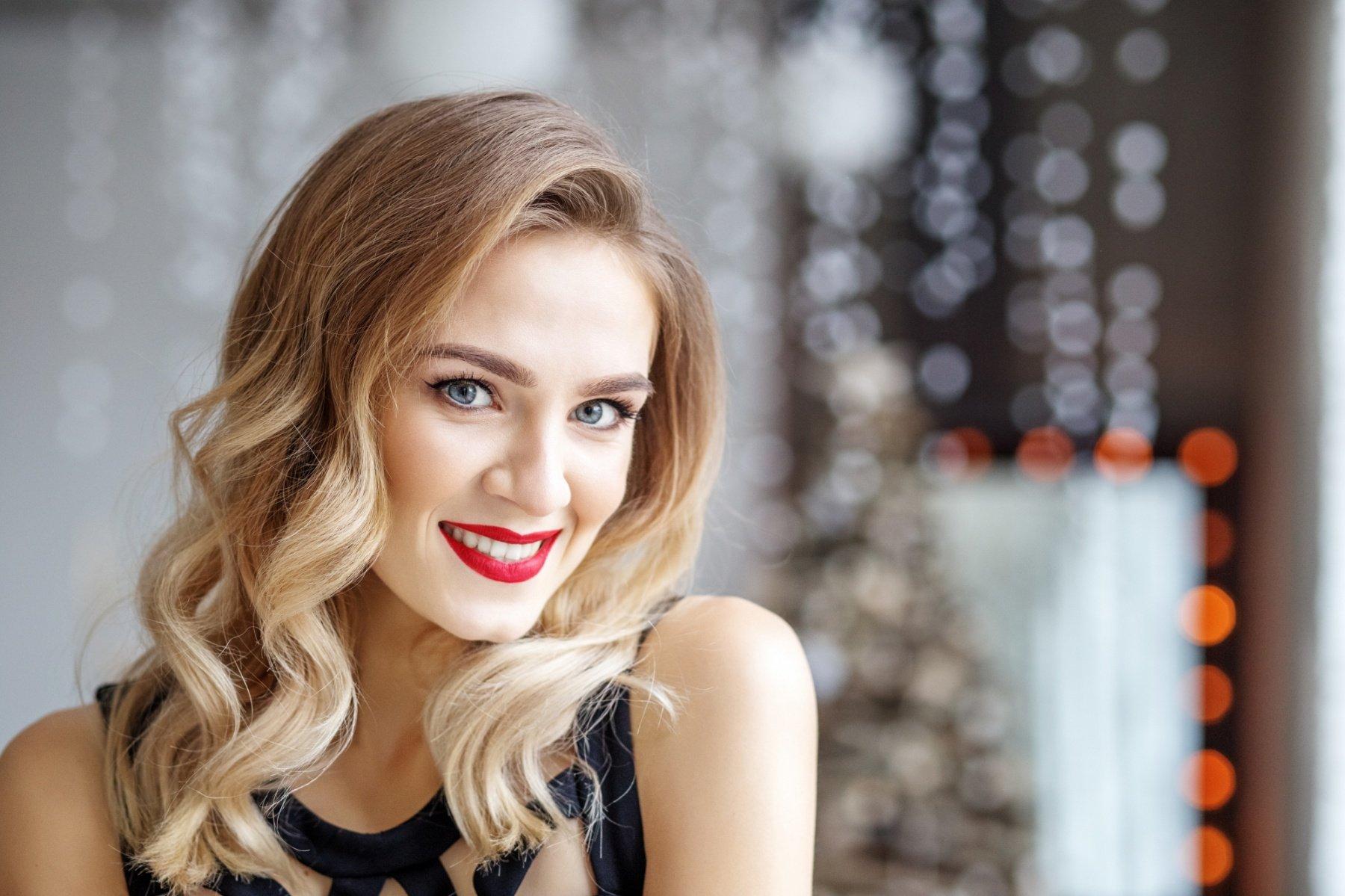 3 idées de coiffures faciles pour noël