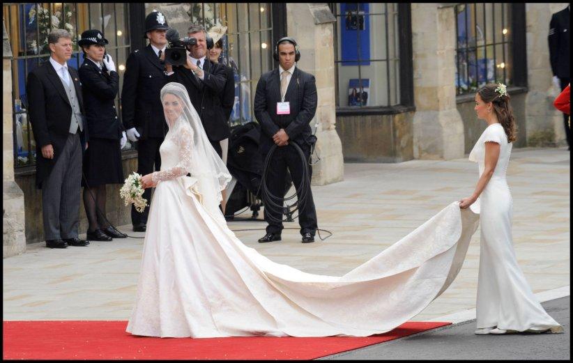 La Robe De Mariée De Kate Middleton Au Coeur Dun Scandale