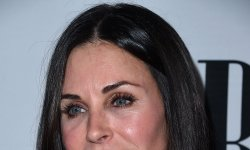 Courteney Cox regrette la chirurgie