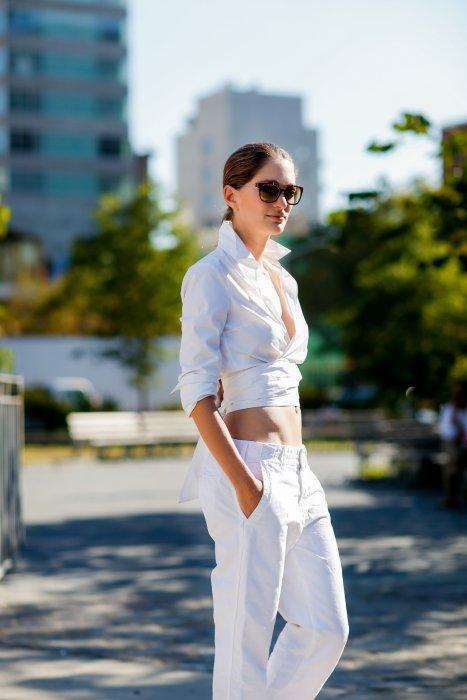 f11bf226412c88 10 façons de porter la chemise blanche qui changent