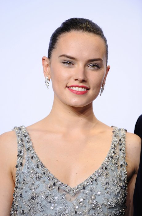 Daisy Ridley explique souffrir d'endométriose
