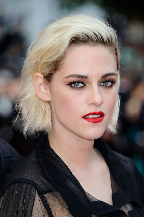 "Kristen Stewart assiste à la projection du film ""Café Society"", le 11 mai 2016 à Cannes."