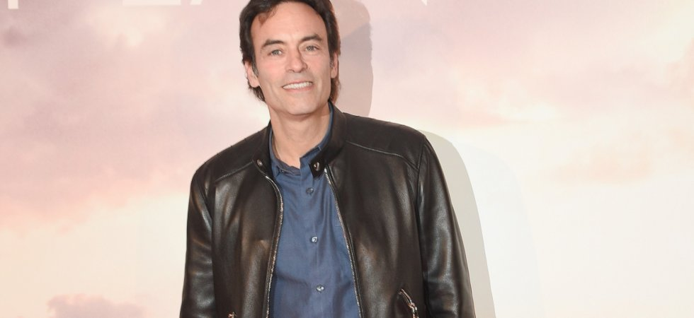 Anthony Delon, amoureux, officialise sa nouvelle relation