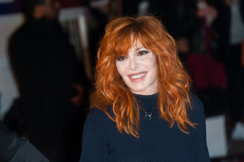 Mylene Farmer assiste aux NRJ Music Awards à Cannes, le 7 novembre 2015.