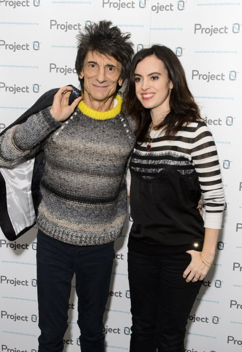 "Ronnie Wood et Sally Humphreys en marge de la collecte de fonds ""Project 0"" à Londres, le 16 décembre 2015."
