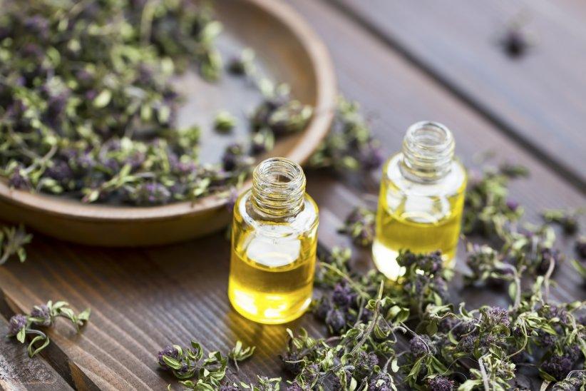 10 huiles essentielles pour combattre les maladies hivernales