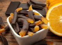 Zestes d'orange confits au chocolat