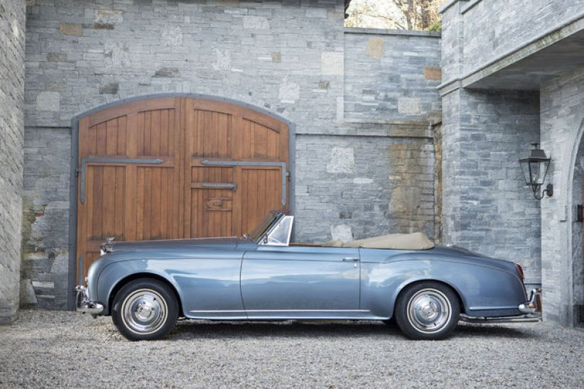 Bonhams s'illustre à Rétromobile