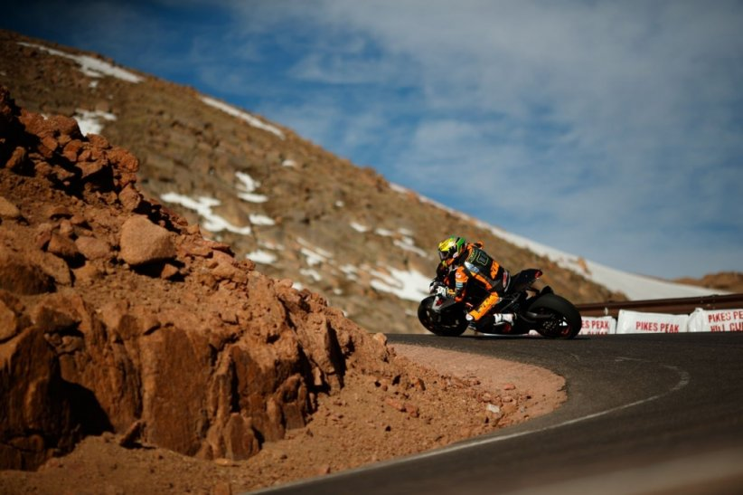 Pikes Peak 2017 : record pour la KTM 1290 Super Duke R de Chris Fillmore !