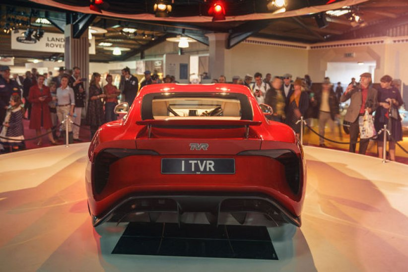 Nouvelle TVR : production repoussée