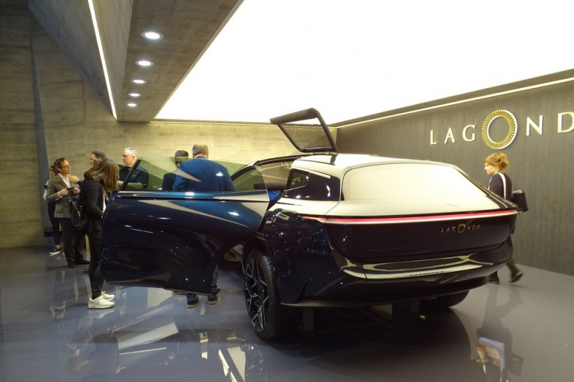 ASTON MARTIN Lagonda All-Terrain