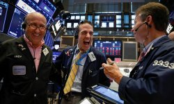 Wall Street : Dow Jones et Nasdaq dopés par Boeing et Apple