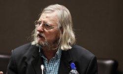"""Coronavirus : l'AP-HP accuse Raoult de """"faux témoignage lors de son audition à l'Assemblée"""