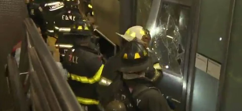 Un train déraille à New York : 76 blessés