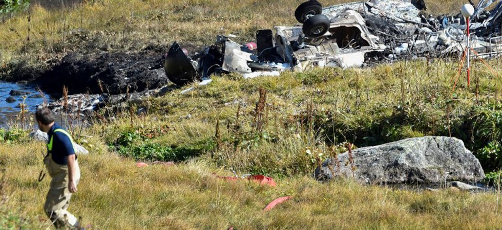 Suisse : 20 morts dans le crash d'un avion militaire de collection