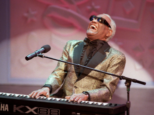 Ray Charles : sa carrière en 10 tubes inoubliables