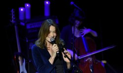 Carla Bruni : un duo avec une candidate de The Voice ?