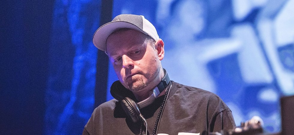 "DJ Shadow annonce son retour avec le titre ""The Mountain Will Fall"""