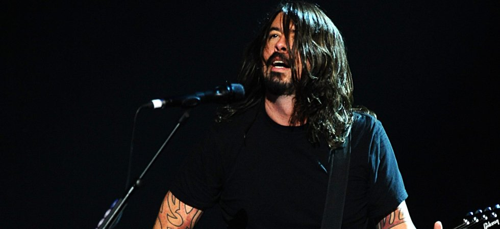 The Foo Fighters annule sa tournée après l'accident de Dave Grohl sur scène